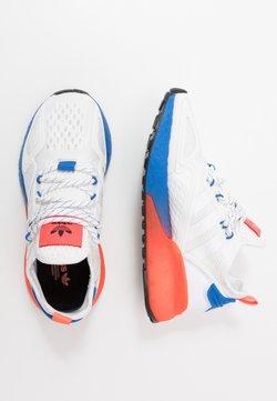 adidas Originals - ZX 2K BOOST - Sneaker low - footwear white/solid red/blue