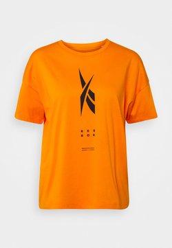 Reebok - EDGEWRKS TEE - Printtipaita - orange