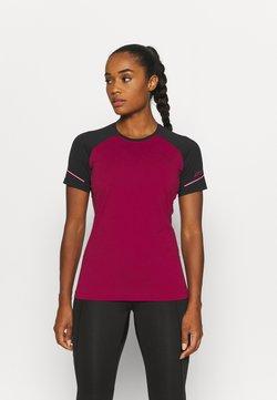 Dynafit - ALPINE PRO TEE - T-Shirt print - black out/beet red