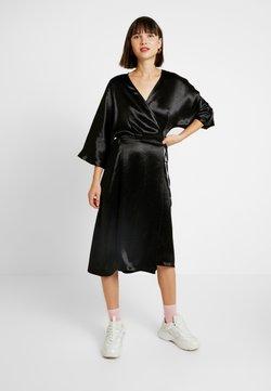 Monki - LOLLO DRESS - Day dress - crinkled black