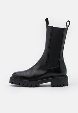 LÄST - ANGIE - Platform boots - black