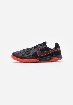 Nike Performance - TIEMPO JR LEGEND 8 ACADEMY IC UNISEX - Fotbollsskor inomhusskor - black/dark smoke grey/chile red