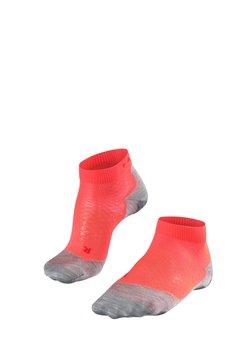 FALKE - RU5 LIGTHWEIGHT SHORT  - Sportsocken - neon red