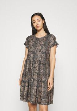 Vero Moda - VMBRITTAPRINT O NECK SHORT DRESS - Freizeitkleid - black/laurel wreath