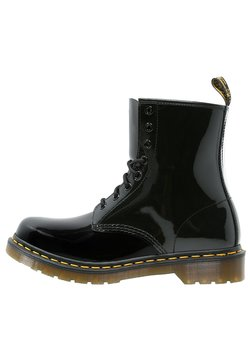 Dr. Martens - 1460 8 EYE BOOT LAMPER - Stivaletti stringati - black