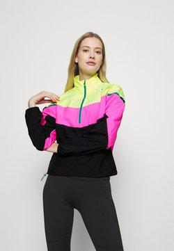 Puma - TRAIN FIRST MILE XTREME JACKET - Verryttelytakki - fizzy yellow/luminous pink /black
