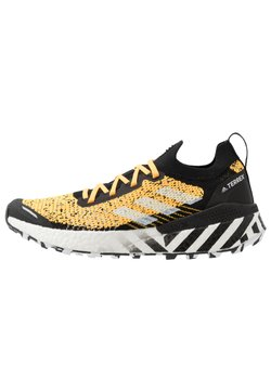 adidas Performance - TERREX TWO ULTRA PARLEY - Chaussures de running - solar gold/core black/footwear white
