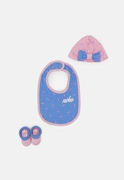 Nike Sportswear - SWOOSHFETTI HEART SET - Pipo - pink