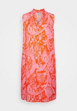 Emily van den Bergh - Freizeitkleid - orange/pink