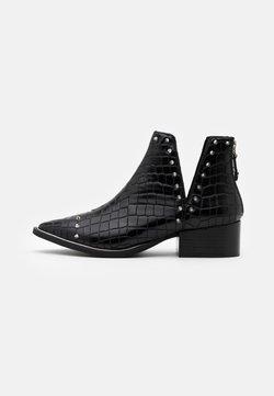 Steve Madden - EPY - Ankelstøvler - black