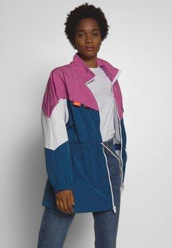 Nike Sportswear - TRACK - Parka - cosmic fuchsia