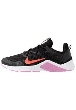 Nike Performance - LEGEND ESSENTIAL - Sportschoenen - black/flash crimson/beyond pink