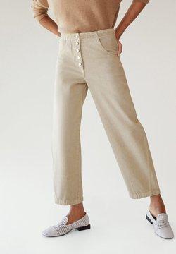 Mango - BUTTONS - Straight leg jeans - beige