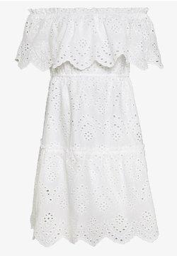 Vila - VISABELLA OFFSHOULDER DRESS - Vapaa-ajan mekko - snow white