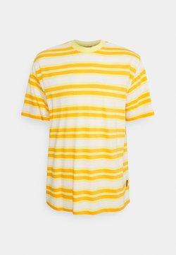 Kickers Classics - TEE - T-Shirt print - orange / yellow
