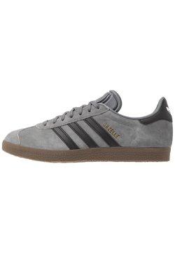 adidas Originals - GAZELLE - Baskets basses - grey four/core black