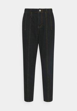 Missguided Petite - SEAM DETAIL MOM - Jeans Straight Leg - black