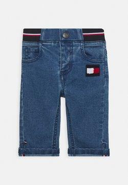 Tommy Hilfiger - BABY BOY FLAG PANT - Jeans slim fit - denim