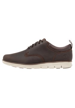 Timberland - BRADSTREET 5 EYE - Sportieve veterschoenen - potting soil saddleback