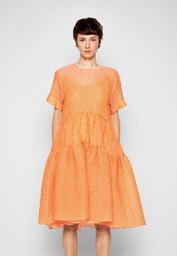 Victoria Victoria Beckham - EXAGGERATED COCOON DRESS - Juhlamekko - cantaloupe orange