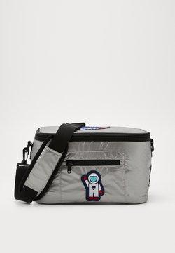 Urban Classics - NASA COOLING BAG - Sporttasche - silver