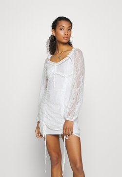 NA-KD - HOSS X NA-KD DETAILED DRESS - Robe de soirée - white