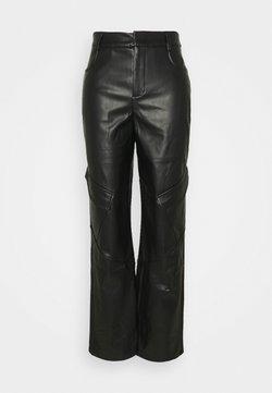 Missguided - POCKET DETAIL STRAIGHT LEG TROUSER - Trousers - black