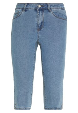 Vero Moda Petite - VMHOT SEVEN SLIT KNICKER - Shorts di jeans - light blue denim