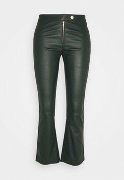 Ibana - Pantalon en cuir - dark green