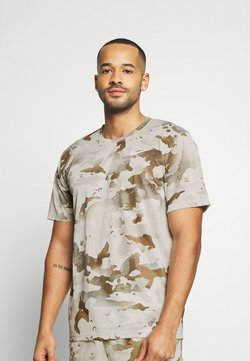 Nike Performance - DRY TEE CAMO - T-Shirt print - light bone/sail
