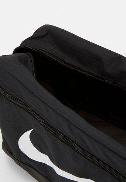 Nike Performance - SHOE 11L UNISEX - Kosmetiktasche - black/white
