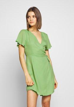 Glamorous - RUFFLE SLEEVE WRAP DRESS - Hverdagskjoler - green