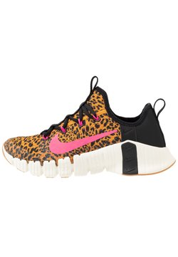 Nike Performance - FREE METCON 3 - Sports shoes - black/pink blast/chutney/sail