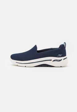 Skechers Performance - GO WALK ARCH FIT - Scarpe da camminata - navy