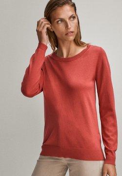 Massimo Dutti - MIT BATEAU-AUSSCHNITT - Sweter - red