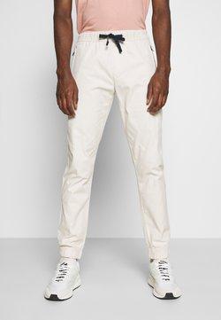 Tommy Jeans - SCANTON JOGGER DOBBY PANT - Jogginghose - light silt