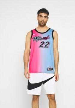 Nike Performance - NBA MIAMI HEAT JIMMY BUTLER CITY EDITION SWINGMAN  - Pelipaita - laser fuchsia/blue gale/black