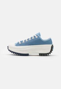 Converse - RUN STAR HIKE PLATFORM CROCHET TWIST UNISEX - Trainers - midnight navy/egret/sea salt blue