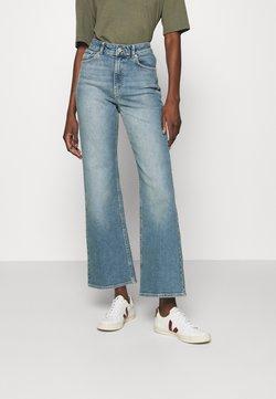 Carin Wester - CINDY - Flared Jeans - blue denim