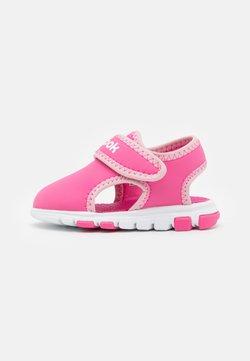Reebok - WAVE GLIDER III UNISEX - Sandały trekkingowe - kicks pink/classic pink/white
