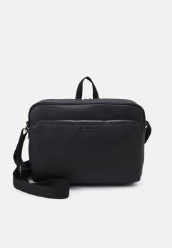 Calvin Klein - MESSENGER - Tietokonelaukku - black