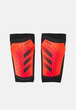 adidas Performance - PREDATOR PRO UNISEX - Espinilleras - solar red/black/red