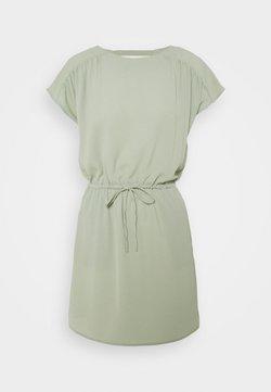 Vero Moda Petite - VMSASHA BALI SHORT DRESS PETITE - Vestido informal - desert sage