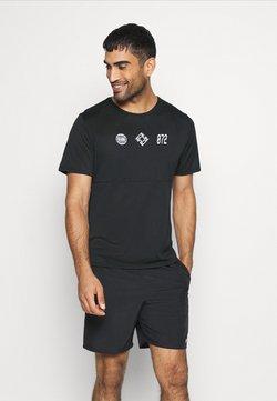 Nike Performance - RUN  - Camiseta estampada - black/white