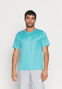 Nike Performance - MILER EMBOSS - T-shirt imprimé - chlorine blue/silver