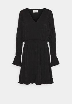 Holzweiler - RICA PLEAT DRESS - Korte jurk - black