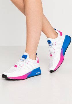 adidas Originals - ZX 2K BOOST  - Sneakersy niskie - footwear white/shock pink