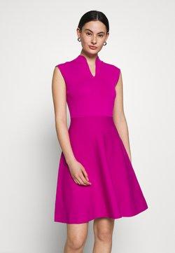 Ted Baker - LLILIEE - Sukienka dzianinowa - pink