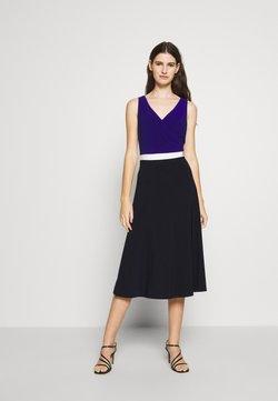 Lauren Ralph Lauren - 3 TONE DRESS - Jerseyklänning - navy/white