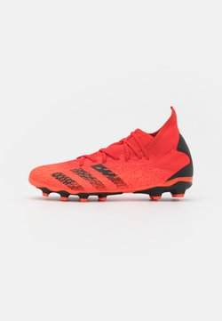adidas Performance - PREDATOR FREAK .3 MG - Botas de fútbol con tacos - red/core black/solar red